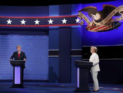 El candidato republicano y Clinton chocan con virulentos ataques personales en el último debate antes de las presidenciales