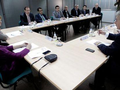 Reunión sobre el futuro de la línea férrea Xàtiva-Alcoi en la Delegación del Gobierno en Valencia.