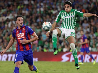 Bartra se impone a Kike García.