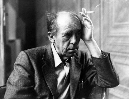 El escritor alemán Heinrich Böll (1917-1985).