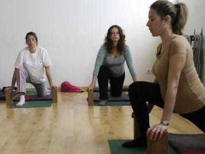 Ana Iñigo Serna, fisioterapeuta de MaterNatal, explica los beneficios del ejercicio y cuál es el más adecuado