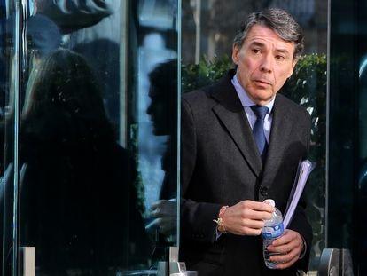 El expresidente de la Comunidad de Madrid, Ignacio Gonzalez, sale de la Audiencia Nacional tras declarar en el 'caso Lezo'.