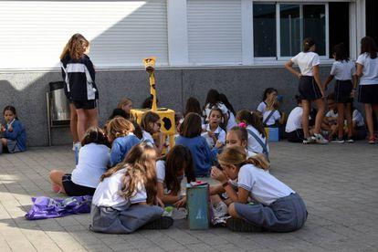 Patio del colegio Santa Gema Galgani.