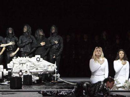 Imagen del montaje de Moisés y Aarón en la Ópera Nacional de París en 2015.