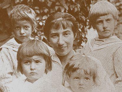 Zinaida Serebriakova con sus hijos en los años '20.