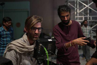 Dani Sánchez-López durante el rodaje de Mahanati,Kumar.