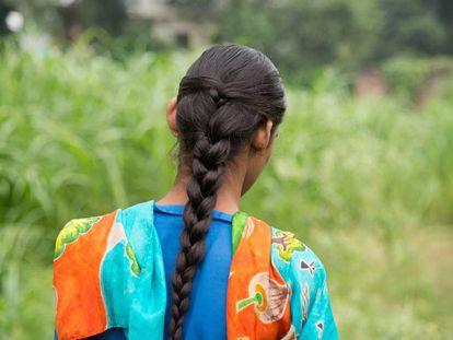 Cuando tenía 13 años, Razia (nombre ficticio), que tiene una discapacidad intelectual y dificultades para hablar, fue violada por el tutor de su hermano en 2014. Desde enero de 2016, espera una indemnización reconocida.