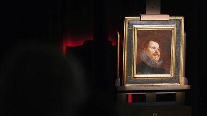 Presentación en el Museo del Prado del retrato de Felipe III pintado por Velázquez.