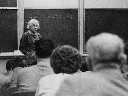 Albert Einstein, en la Universidad de Princeton (EE UU), en 1933.