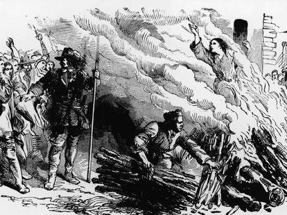 Ilustración de una mujer quemada en la hoguera por brujería.
