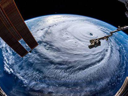 El ojo del huracán Florence visto desde la Estación Espacial Internacional.