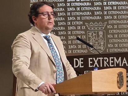 El consejero de Sanidad y Servicios Sociales de la Junta de Extremadura, José María Vergeles.