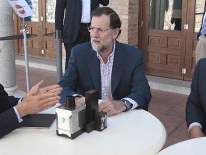 Gallardón, Rajoy y Arenas, en una reunión del Comité de Dirección del partido en Toledo para ultimar los detalles de la estrategia electoral del PP.