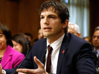 El actor Ashton Kutcher, fundador de Thorn: Digital Defenders of Children, hablando en el Senado estadounidense, el 15 de febrero de 2017.