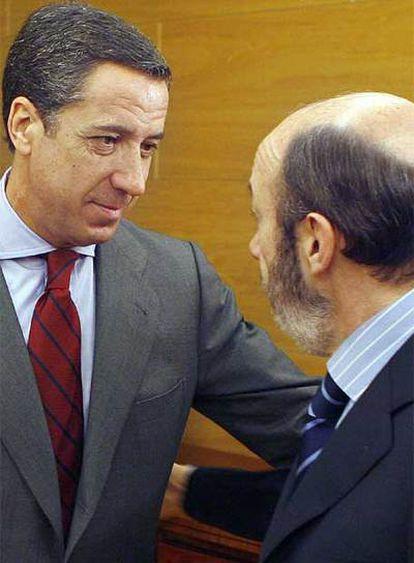 Rubalcaba ha iniciado la ronda de contactos con el portavoz del PP, Eduardo Zaplana.
