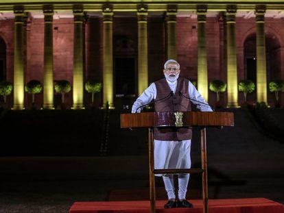 Narendra Modi se dirige a los medios este sábado en Nueva Delhi.