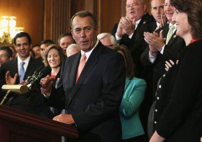 El portavoz de la Cámara de Representantes, el republicano John Boehner, se dirige a sus compañeros de partido.