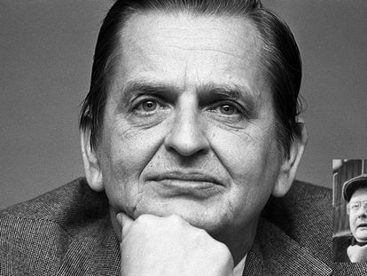 Olof Palme, líder del Partido Socialdemócrata sueco, ex primer ministro de Suecia hasta 1976 y vicepresidente de la Internacional Socialista, en entrevista en Madrid con motivo de  la celebración del centenario del PSOE. 1979 y el asesino Stig Engstrom.