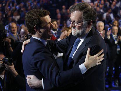 Pablo Casado y Mariano Rajoy en la convención del Partido Popular.