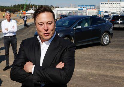 El CEO de Tesla, Elon Musk, durante una visita a la nueva fábrica de la compañía en Berlín, el pasado 3 de septiembre.