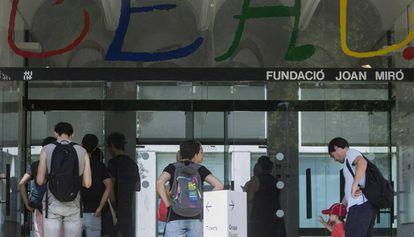 Visitantes en la Fundación Miró.