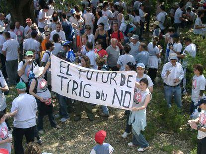 Vecinos de La Salzadella, Les Coves de Vinromà y del Tírig ( Castellón) , se manifiestan contra los proyectos de creación de plantas de residuos tóxicos en sus términos municipales y cercanías