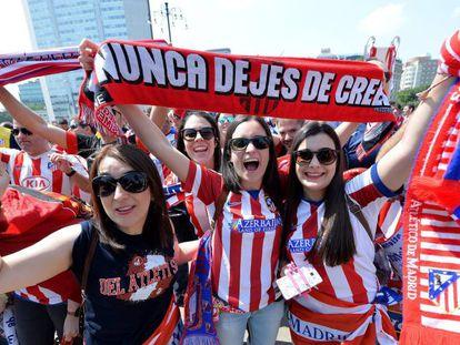 Aficionados del Atletico de Madrid en Milán