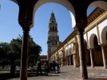La Iglesia ha  secuestrado su memoria  ante la  desidia  de las Administración, dicen especialistas de 36 universidades, que cuestionan la explotación turística