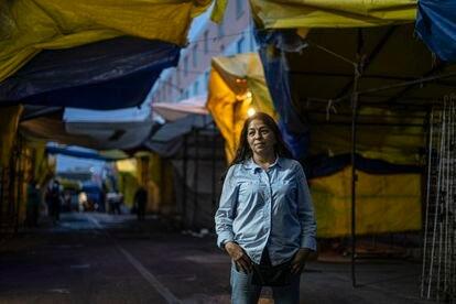 Eugenia Ponce, el jueves en el barrio de Tepito, en Ciudad de México.