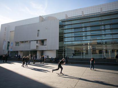 Exterior del Museo de Arte Contemporáneo de Barcelona (Macba).