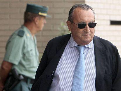 Carlos Fabra a su salida de la Audiencia Provincial de Castellón, el año pasado.