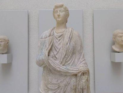 La escultura de Livia Drusila, busto y cuerpo unidos 2.000 años después, en el Museo de Cádiz.