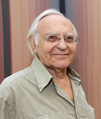 Abraham Palatnik es un artista e inventor brasileño cuyas innovaciones incluyen el arte cinemático.