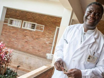 El ginecólogo congoleño Nobel de la Paz 2018, Denis Mukwege, en el hospital de Panzi en 2009.