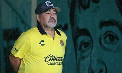 Diego Armando Maradona, como entrenador de los Dorados de Sinaloa.