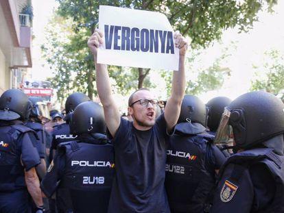 Protestas en la sede de la CUP, el 20-S.