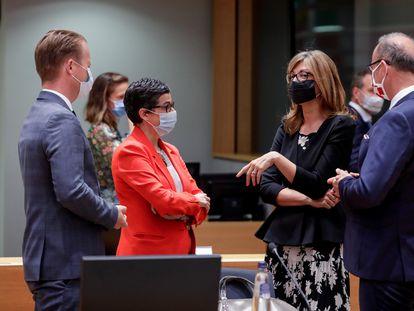 La ministra de Exteriores de España, Arancha González (a la izquierda), con sus homólogos de Dinamarca, Bulgaria y Croacia, en Bruselas, este lunes.