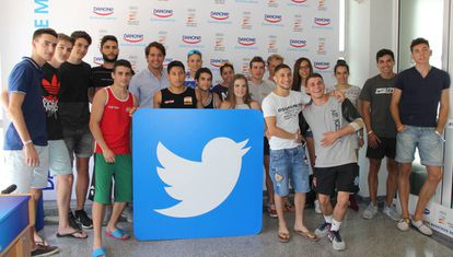 Deportistas del Centro de Alto Rendimiento en la formación de Twitter.