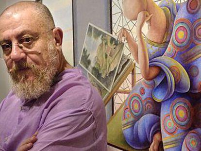 Guillermo Pérez Villalta, junto a una de sus obras.