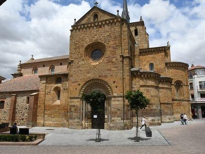 BENAVENTE - ZAMORA  21/06/21 Iglesia de Santa María