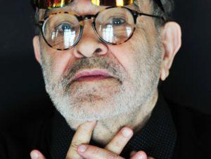 Fernando Arrabal en su casa de París, el pasado febrero.