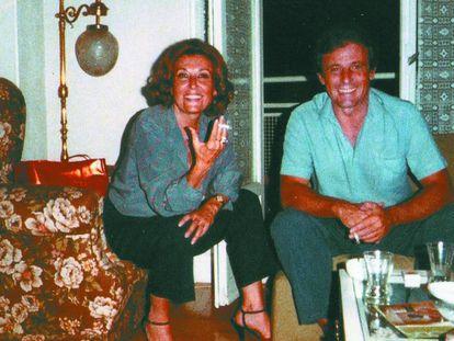 Julia y Emilio Gutiérrez Caba, en una imagen sin fechar del archivo familiar.