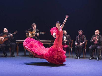 """Olga Pericet, durante la representación de su obra """"La espina que soñó con ser flor o la flor que soñó con ser bailaora"""" en el Teatro Central, el pasado septiembre."""