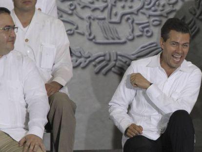 Peña Nieto y el gobernador fugado Javier Duarte durante una acto en Veracruz
