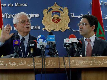 El ministro de Asuntos Exteriores Josep Borrell (izquierda), junto a su homólogo marroquí Nasser Bourita, durante una rueda de prensa celebrada este jueves en Rabat.