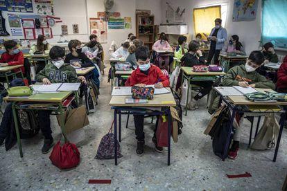 Estudiantes de un colegio Mare Nostrum de Valencia la pasada semana.