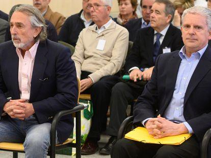 Desde la izquierda, Francisco Correa y Pablo Crespo, el pasado marzo en una sesión del juicio a la trama Gürtel por la visita del Papa en 2006 a Valencia.