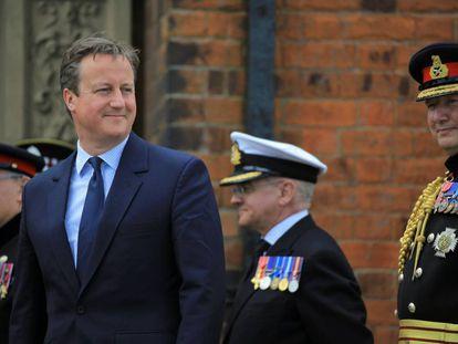 David Cameron, este sábado con las fuerzas armadas