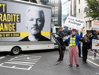 Una imagen del documental 'The War on Journalism: The case of Julian Assange'.
