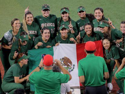 Las jugadoras del equipo de sóftbol de México, durante los Juegos Olímpicos.